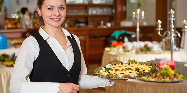 dining-room-waitress